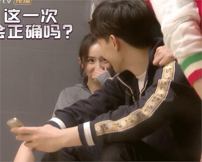 Dương Mịch phản pháo cực thông minh trước tin đồn cưa cẩm mỹ nam trẻ tuổi Đặng Luân-3