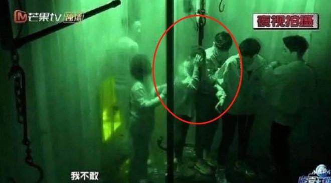 Dương Mịch phản pháo cực thông minh trước tin đồn cưa cẩm mỹ nam trẻ tuổi Đặng Luân-7