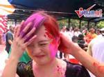 Tưng bừng lễ hội ném bột màu Holi tại Hà Nội