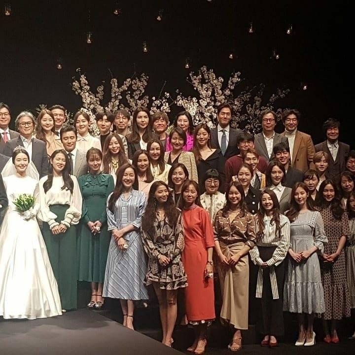 Dàn mỹ nhân đình đám khoe nhan sắc bất phân thắng bại tại hôn lễ của Ảnh hậu xứ Hàn-3