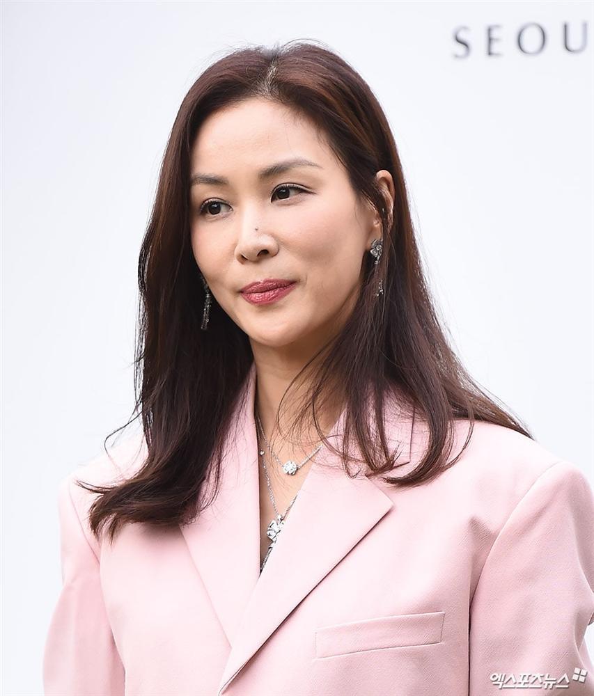 Dàn mỹ nhân đình đám khoe nhan sắc bất phân thắng bại tại hôn lễ của Ảnh hậu xứ Hàn-12