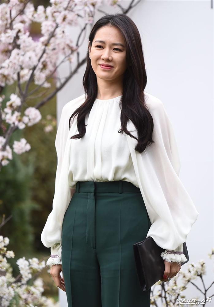 Dàn mỹ nhân đình đám khoe nhan sắc bất phân thắng bại tại hôn lễ của Ảnh hậu xứ Hàn-4
