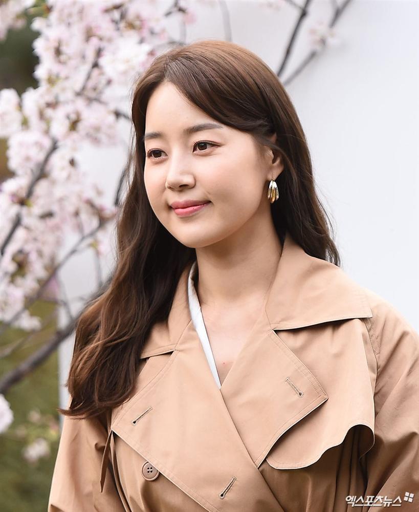 Dàn mỹ nhân đình đám khoe nhan sắc bất phân thắng bại tại hôn lễ của Ảnh hậu xứ Hàn-10