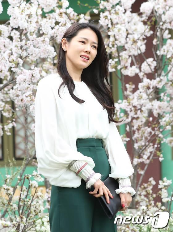 Dàn mỹ nhân đình đám khoe nhan sắc bất phân thắng bại tại hôn lễ của Ảnh hậu xứ Hàn-5