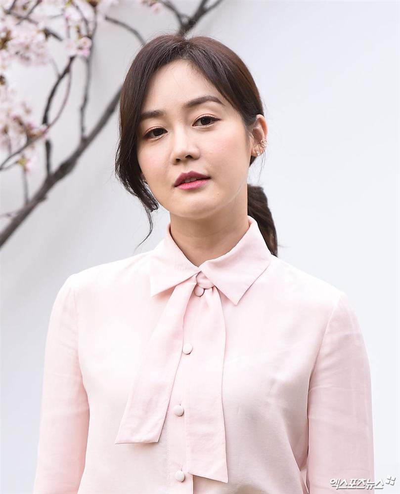 Dàn mỹ nhân đình đám khoe nhan sắc bất phân thắng bại tại hôn lễ của Ảnh hậu xứ Hàn-15