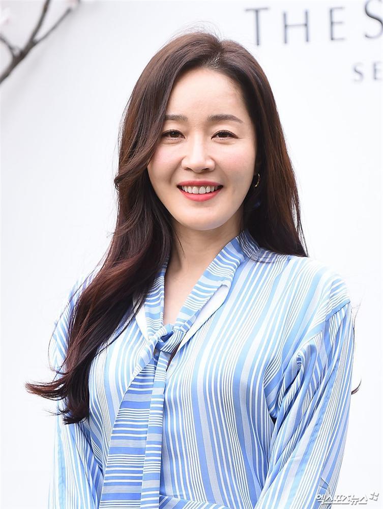 Dàn mỹ nhân đình đám khoe nhan sắc bất phân thắng bại tại hôn lễ của Ảnh hậu xứ Hàn-16