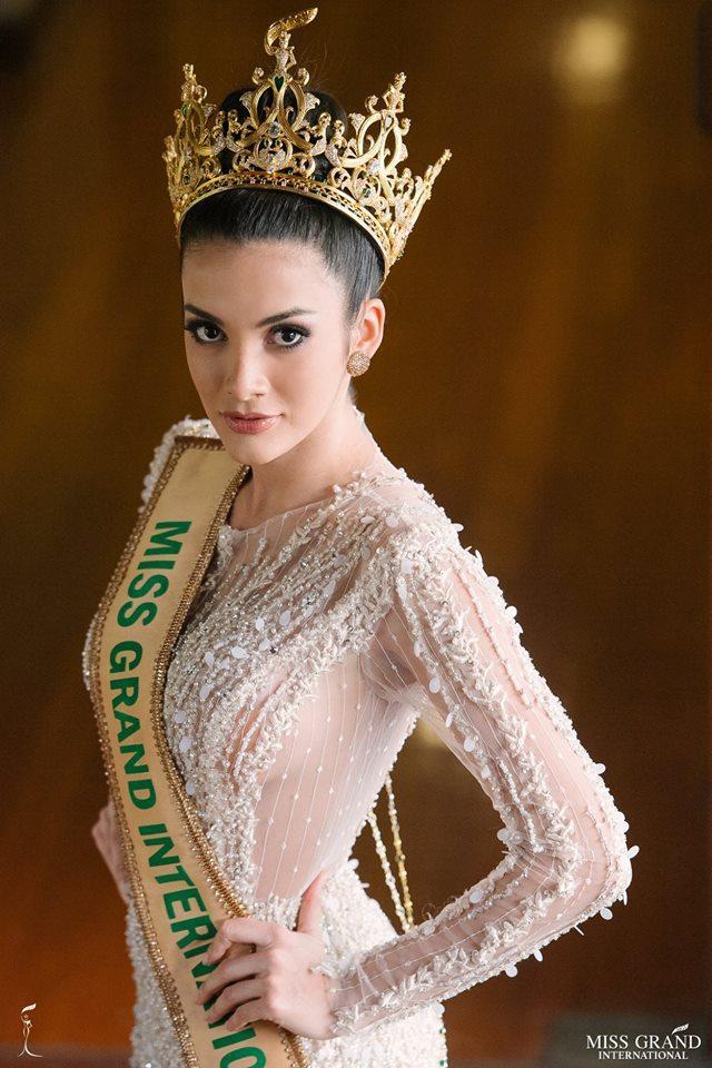 Hoa hậu Hòa bình đâm bị thóc, chọc bị gạo: Hết cười vào mặt Phương Khánh lại đá xéo mỹ nhân chuyển giới Miss Universe-1