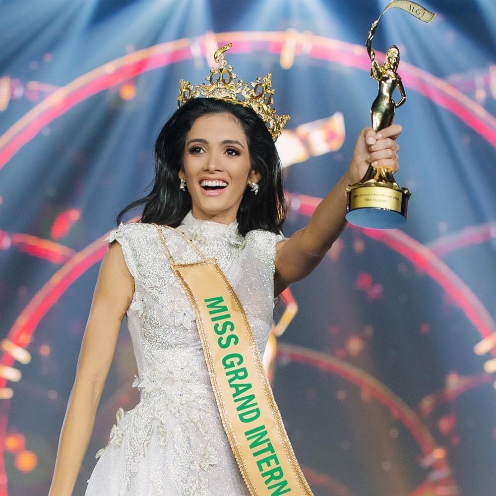 Hoa hậu Hòa bình đâm bị thóc, chọc bị gạo: Hết cười vào mặt Phương Khánh lại đá xéo mỹ nhân chuyển giới Miss Universe-8