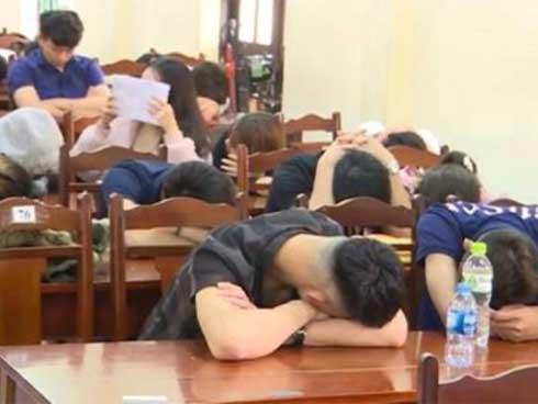 Hưng Yên đột kích quán karaoke, phát hiện 45 người dương tính ma túy-1