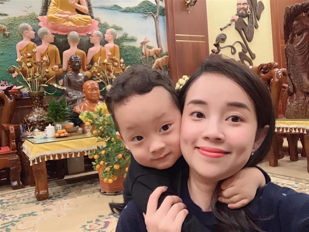 Sợ mẹ bị bắt cóc, con trai 3 tuổi Ly Kute chỉ nói một câu mà khiến single mom mát cả ruột gan-1