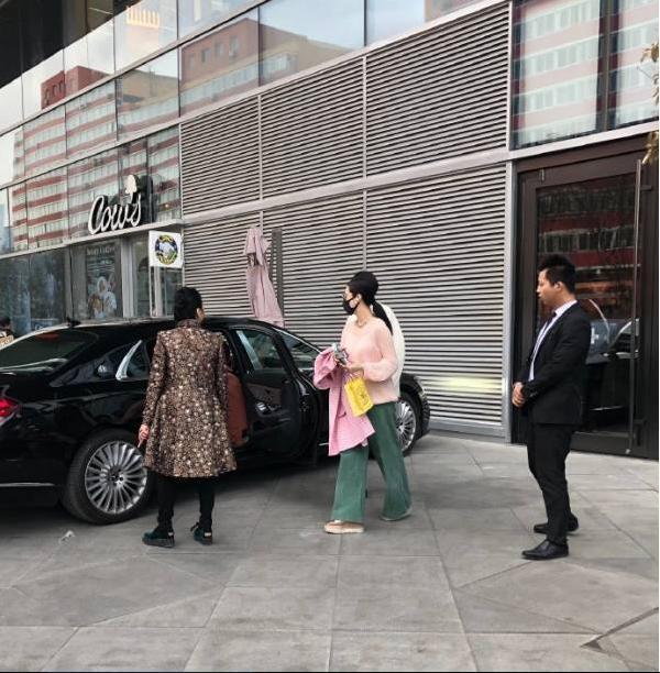 Sau khi nộp đủ 3.000 tỷ tiền thuế, Phạm Băng Băng vẫn là nữ hoàng sang chảnh với cuộc sống giàu sang ít ai bằng-4