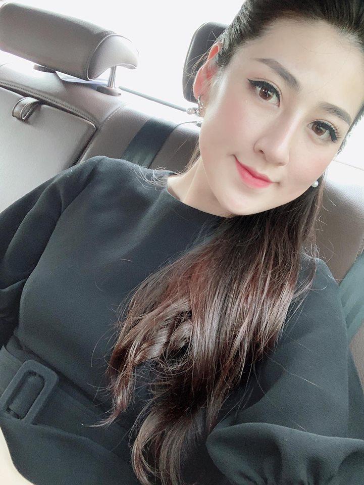 Bất chấp đời tư ồn ào, Phạm Hương sexy khoe dáng nuột nà-10