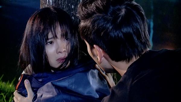 Hết bị tạt a xit rồi lại bị cưỡng hiếp tập thể, đây chính là cô gái có số phận bi đát nhất màn ảnh Việt-6