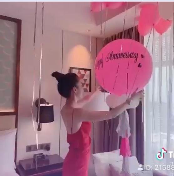 Chiều Ngọc Trinh như bạn trai lớn tuổi: Biến căn phòng mỹ nhân thành pink room để kỷ niệm 2 năm ngày yêu-6