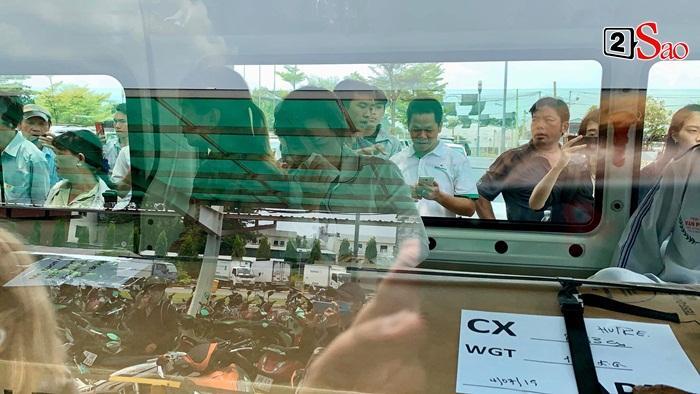 Clip: Thi thể Anh Vũ chính thức về Việt Nam, em gái bàng hoàng đến khóc nghẹn trước linh cữu-4