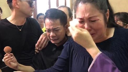 Hồng Vân, Minh Nhí bật khóc nức nở khi hóa trang cho Anh Vũ lần cuối-1