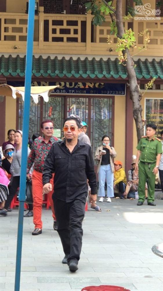 Pha Lê - Lê Giang - Hồng Tơ tới viếng cố nghệ sĩ Anh Vũ-3