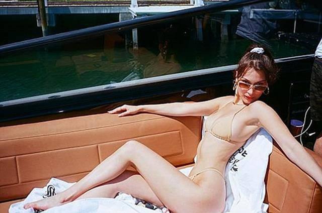Bikini tí hon và những kiểu đồ bơi dễ gây nhức mắt, ngộp thở nhất của chị em ngày hè-1