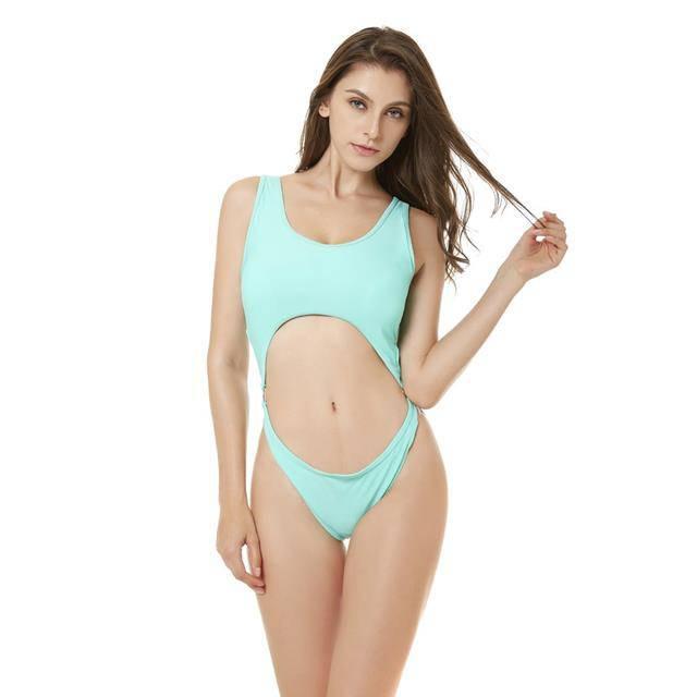 Bikini tí hon và những kiểu đồ bơi dễ gây nhức mắt, ngộp thở nhất của chị em ngày hè-2