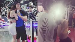 Khánh My liên tiếp công khai hình ảnh khóa môi nồng cháy nam diễn viên vướng ồn ào lộ clip 18+
