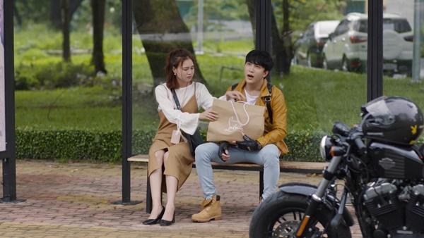 B Trần không tiếc tiền tặng túi hiệu cho Lan Ngọc trong tập 44 Mối Tình Đầu Của Tôi-3