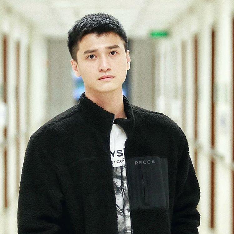 Đạo diễn Gái già lắm chiêu mắng Huỳnh Anh mất dạy, vô học, Tú Vi hùa theo: Ghét các thể loại đi trễ-1