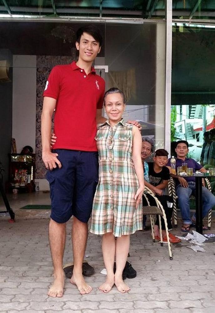Từng bị mẫu nữ 1m90 dìm hàng thê thảm, Việt Hương vẫn chẳng ngại so kè dáng vóc nấm lùn top 1 showbiz Việt-3