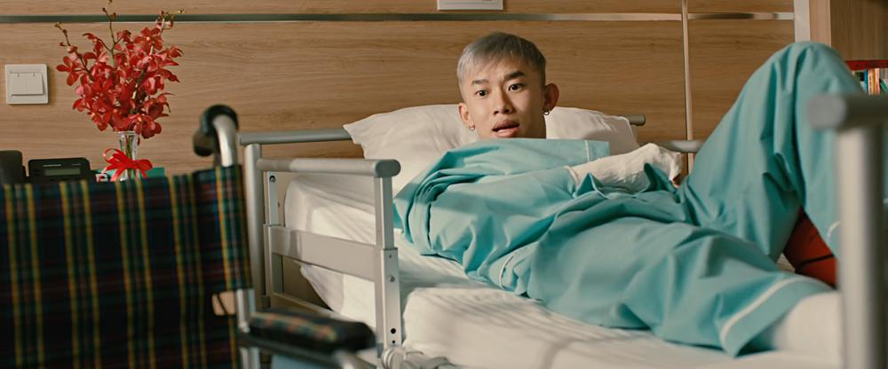 Hoàng Oanh là người đầu tiên Quốc Anh đi tìm khi tỉnh dậy sau 15 năm hôn mê-6