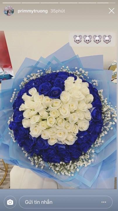 Em trai Phan Thành đau khổ vì tình, chị dâu hụt lại khoe nhận bó hoa to bự khiến dân tình mệt đầu đoán người tặng-3