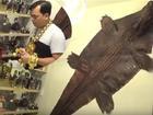 Hé lộ căn phòng bí mật chứa hàng trăm chai rượu quý, 2 bộ da cá sấu khổng lồ được đặt ngay tại quán karaoke của đại gia Phúc XO