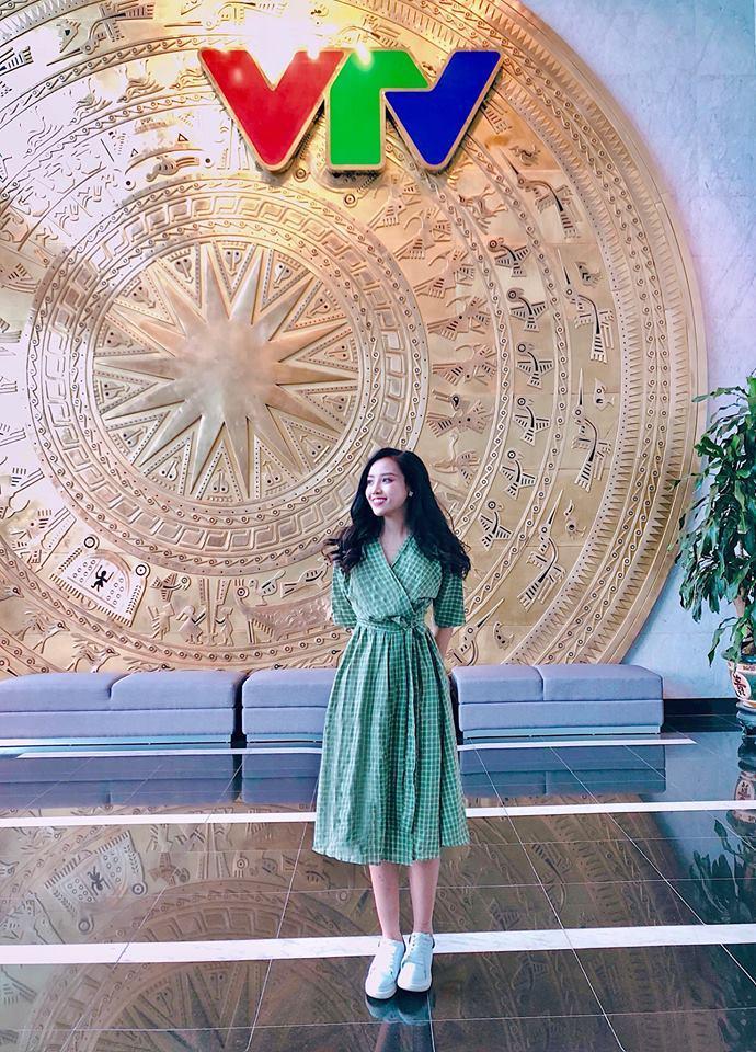 Studio nổi tiếng Hà Nội lấp lửng về một MC xinh đẹp sắp theo chồng bỏ cuộc chơi bằng hậu trường chụp ảnh cưới cực tình-5