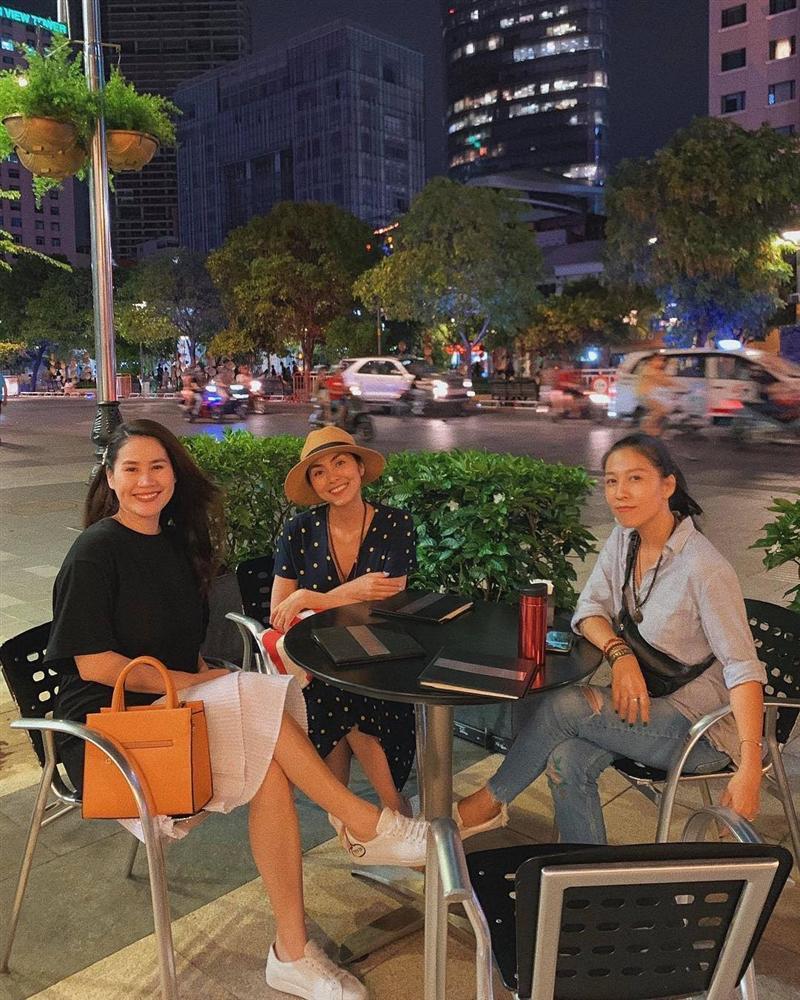 Hoa hậu HHen Niê than thở không thích chụp hình mà cứ bắt diễn-7