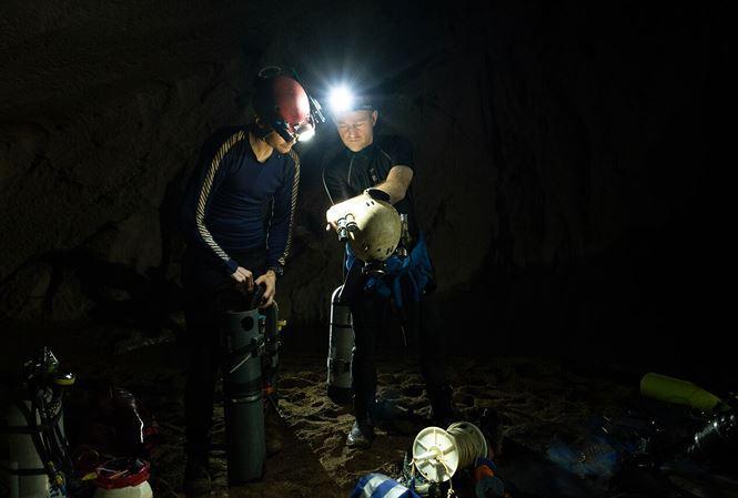 Phát hiện thêm hệ thống hang ngầm sâu trên 90m tại Sơn Đoòng-2