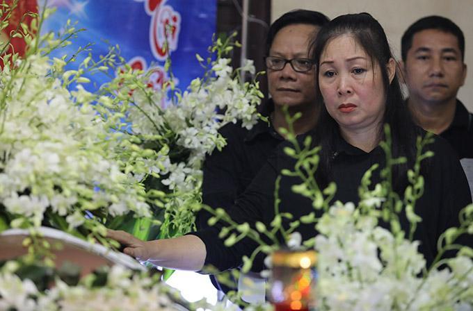NSND Hồng Vân nghẹn ngào tiễn biệt Anh Vũ, gợi lại gần 20 năm yêu nghiệp diễn say mê của người em-3