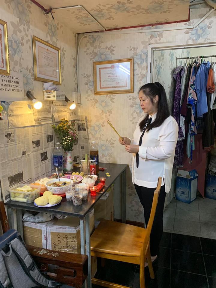 NSND Hồng Vân nghẹn ngào tiễn biệt Anh Vũ, gợi lại gần 20 năm yêu nghiệp diễn say mê của người em-4