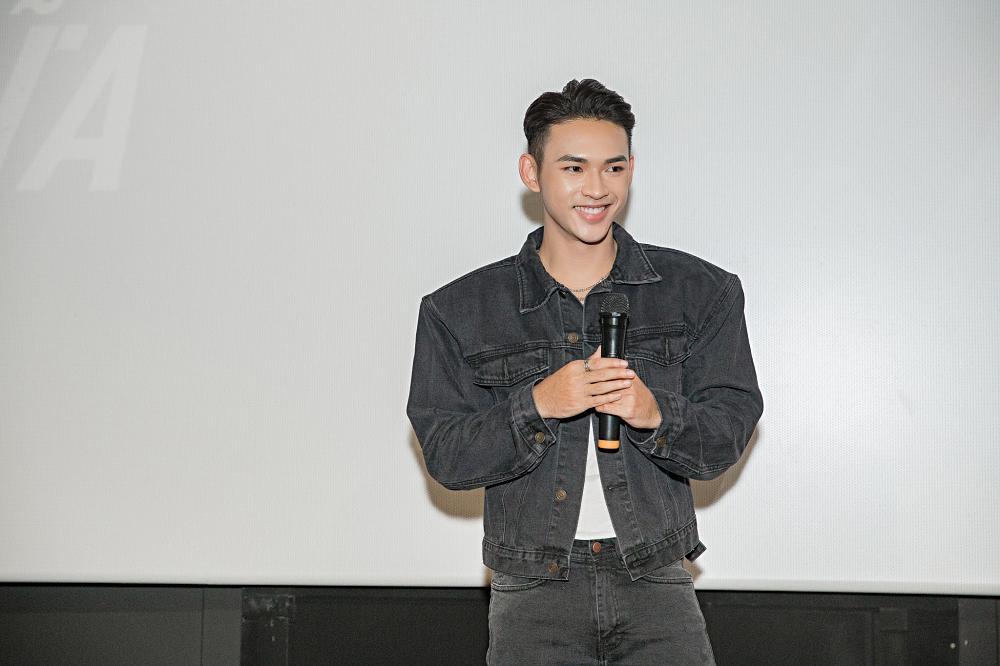 Giọng ca mạnh dạn mời Linh Ka đóng MV đầy rẫy cảnh nóng chẳng ngại bị gọi là Chi Pu version nam-1