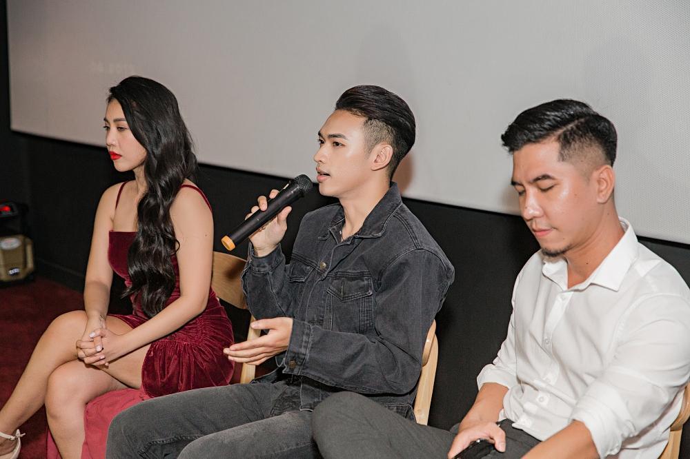 Giọng ca mạnh dạn mời Linh Ka đóng MV đầy rẫy cảnh nóng chẳng ngại bị gọi là Chi Pu version nam-6