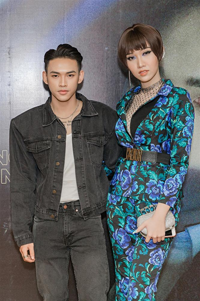 Giọng ca mạnh dạn mời Linh Ka đóng MV đầy rẫy cảnh nóng chẳng ngại bị gọi là Chi Pu version nam-8