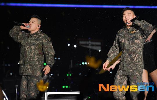 Bất chấp chuỗi bê bối chấn động của Seungri, 2 mảnh Big Bang đốt cháy sân khấu buổi hòa nhạc quân đội-1