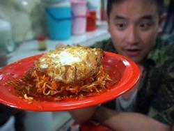 Mì 'tử thần' cay xé lưỡi ở Indonesia có gì đặc biệt?