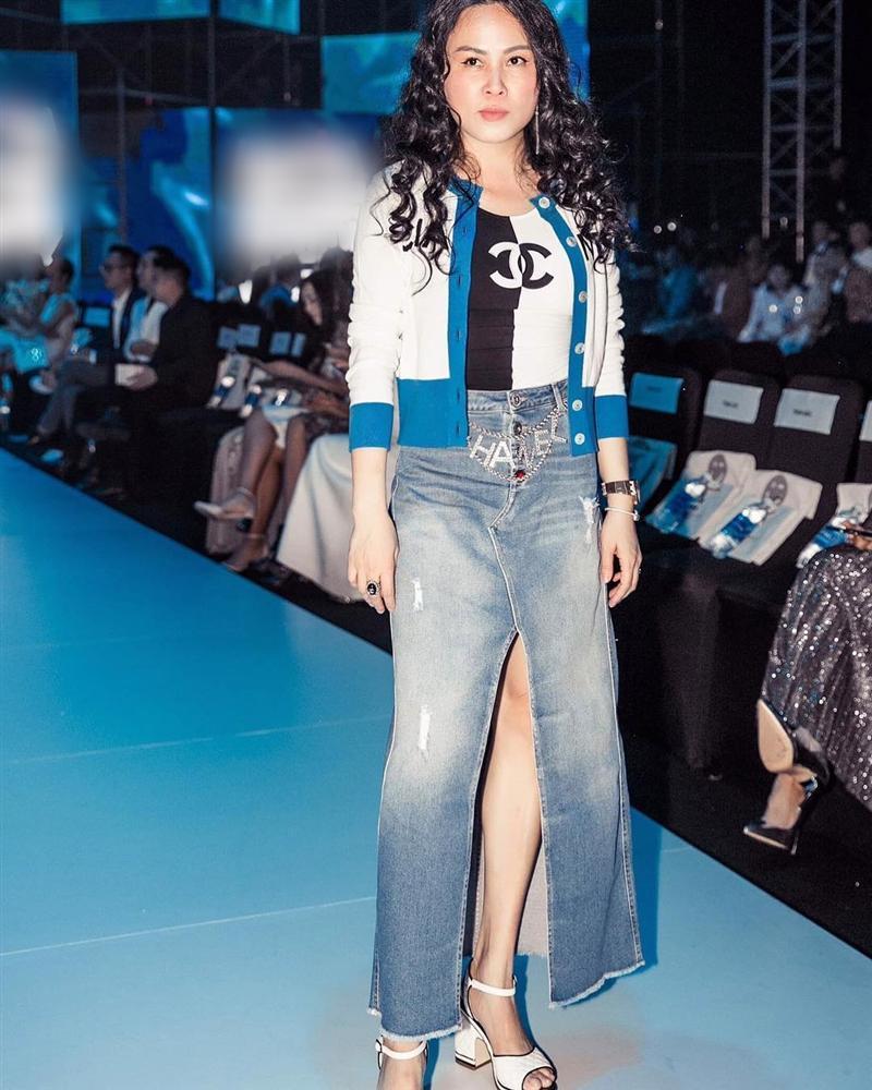 Diện đi diện lại một chiếc áo tắm từ du lịch đến thảm đỏ, không hiểu sao Phượng Chanel vẫn SAI QUÁ SAI trong cách phối đồ-8
