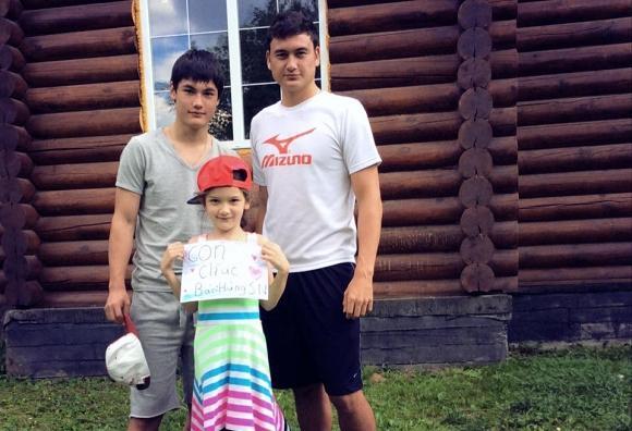 Đặng Văn Lâm gặp lại em trai tại Thái Lan sau hơn một năm xa cách-3