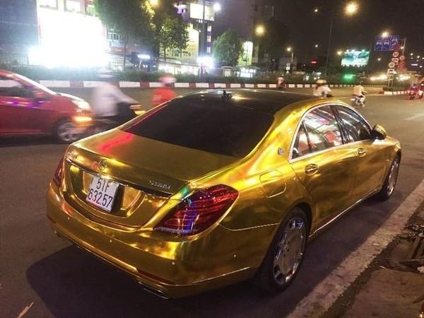 Ngáo ảo Phúc XO: Đeo vàng giả, xe máy biển số fake, ô tô vàng đi thuê-6