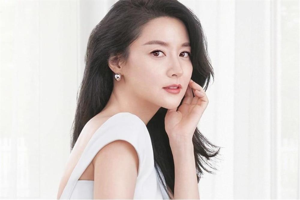 Vừa mở họp báo kêu oan 3 ngày trước, Park Yoochun bị cảnh sát tung bằng chứng sử dụng ma túy cùng Hwang Hana-2