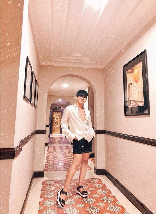 Trước khi lột xác sexy thành Hoa hậu Quận 10, Đào Bá Lộc từng có thời da bọc xương nhìn đến thảm thương-3