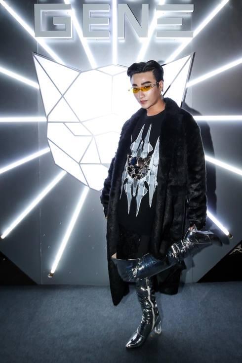 Phượng Chanel dát đồ hiệu như hàng chợ - HHen Niê khoe dáng chuẩn không ai bằng nhưng vẫn lọt top SAO MẶC XẤU-7