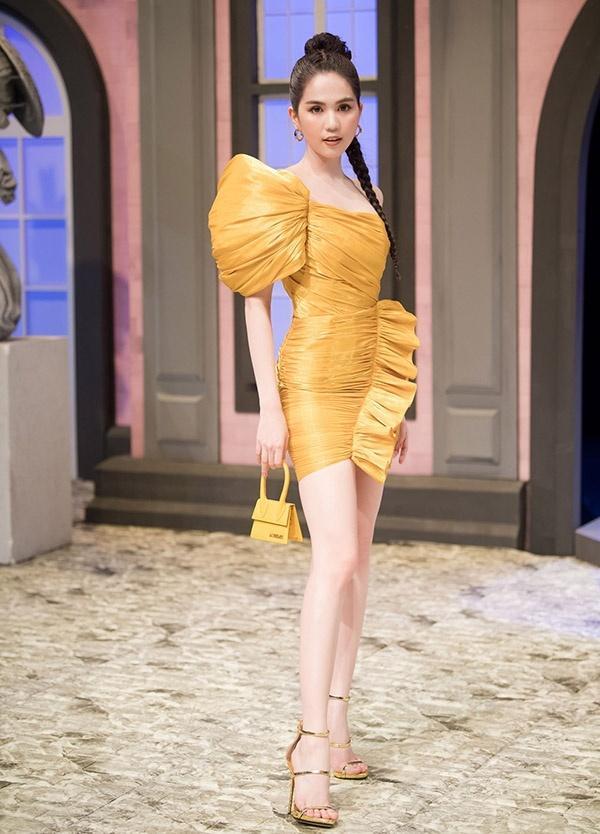SAO MẶC ĐẸP: Trương Hồ Phương Nga tái xuất xinh tựa nữ thần - Ngọc Trinh biến hóa 3 phong cách ấn tượng-5