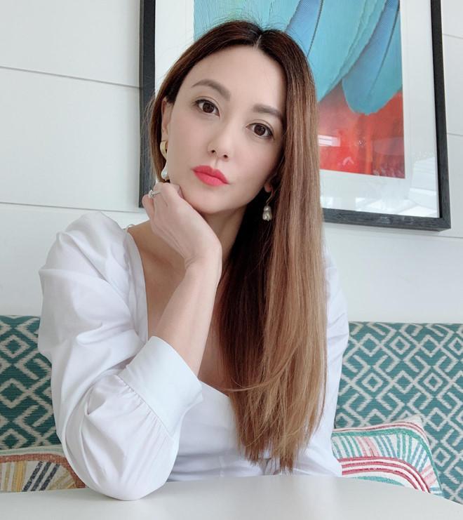 Mẹ Trương Vô Kỵ sắp 50 vẫn đẹp như gái son nhờ bí quyết ăn ngon-2
