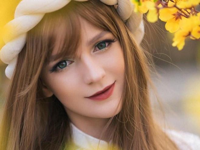 4 hot girl Ukraine xinh như búp bê nổi tiếng với dân mạng Việt Nam-1