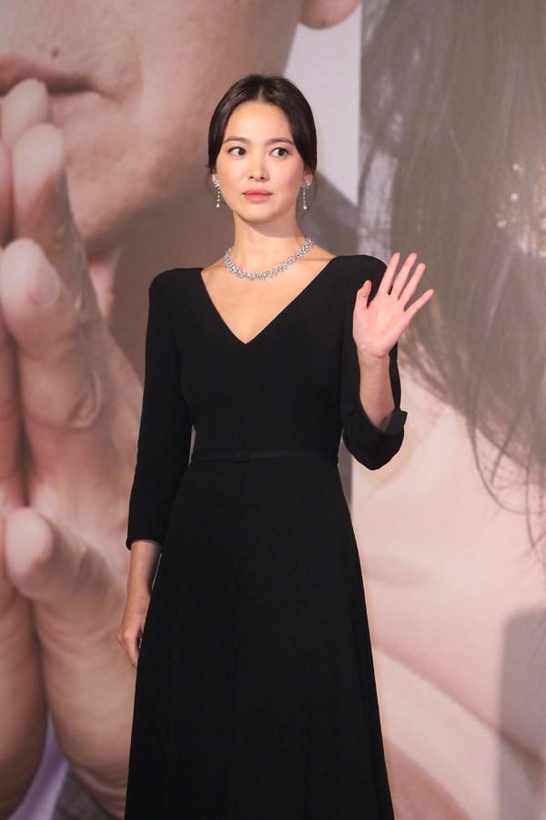 Thảm đỏ Oscar Hong Kong 2019: Song Hye Kyo đọ sắc với Hồ Định Hân, Thái Trác Nghiên-8